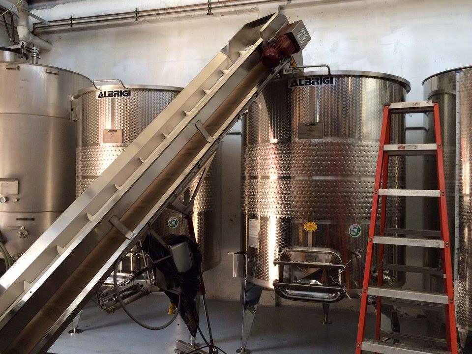 albrigi steel tanks with grape sorter
